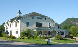 The Snowflake Inn, White Mountain NH romantic lodging