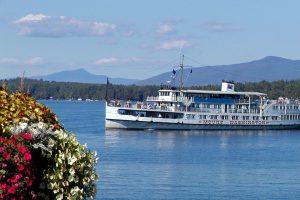 M/S Mt. Washington cruises Lake Winnipesaukee.
