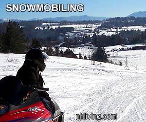 NH Snowmobiling Winter Vacation Activities